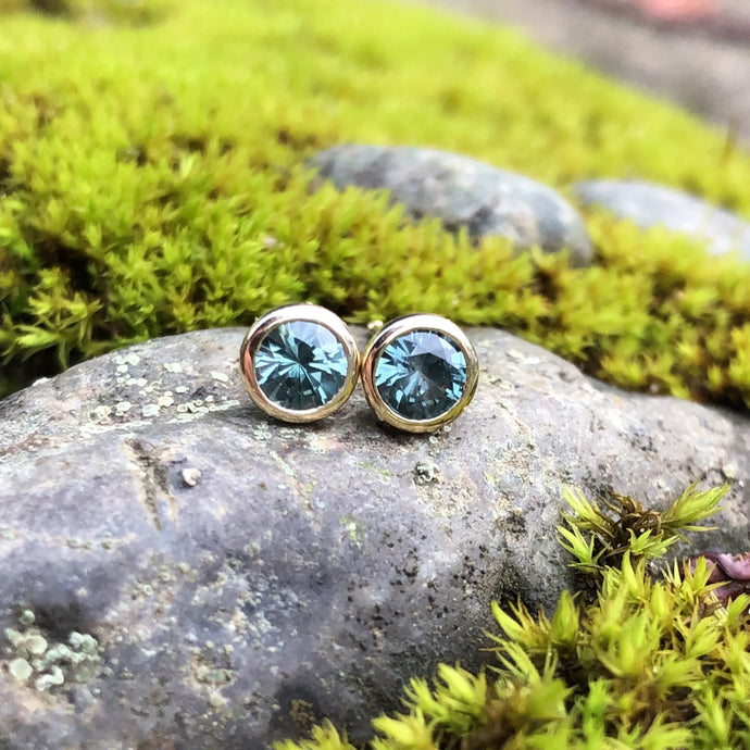 Montana Sapphire Round .73 ctw Teal Bezel Set Stud Earrings in 14K Yellow Gold