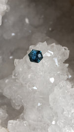 Load image into Gallery viewer, Montana Sapphire Teal Freestyle Hexagon 1.40 carat