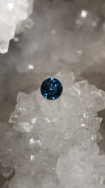 Load image into Gallery viewer, Montana Sapphire 1.22 Carat Deep Blue Round Brilliant