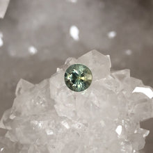 Load image into Gallery viewer, Montana Sapphire Green Yellow Round Cut .62 Carat
