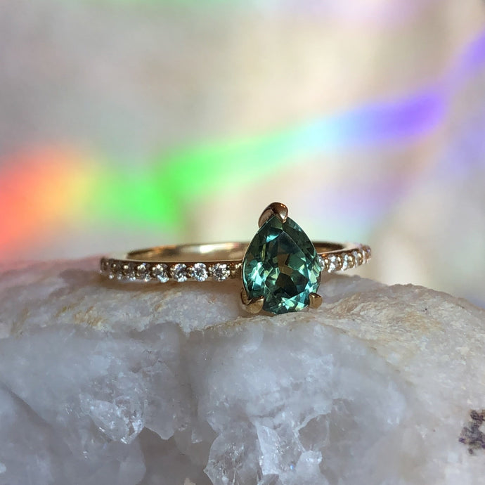 Montana Sapphire Green Pear and Diamond Ring 1.15 carat