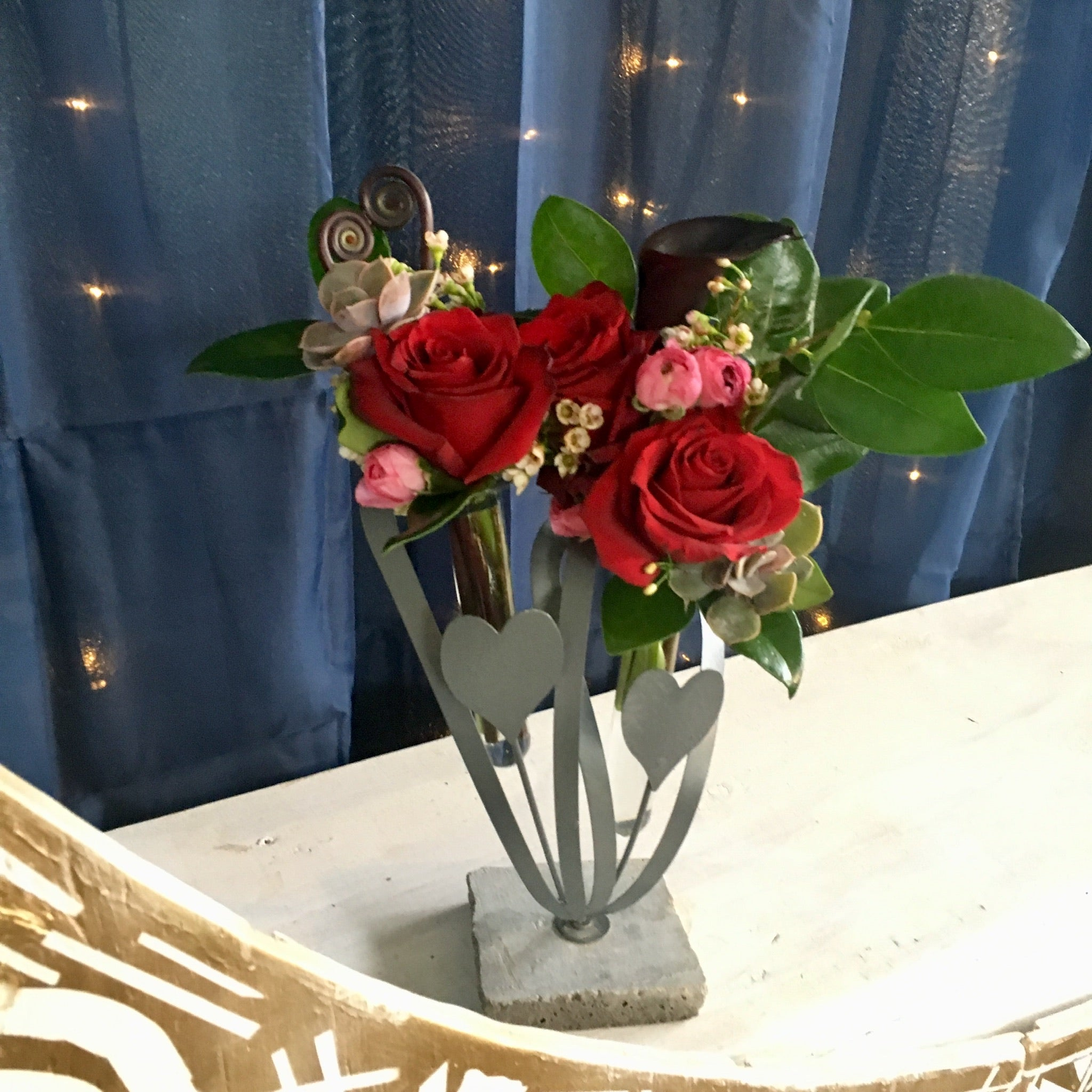 Valentine's day roses succulents calla lilies ranunculus clovis fresno contactless delivery