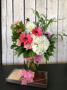 chocolate and flower gift delivery mother's day clovis florist