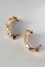 Load image into Gallery viewer, Large Plantain Earrings