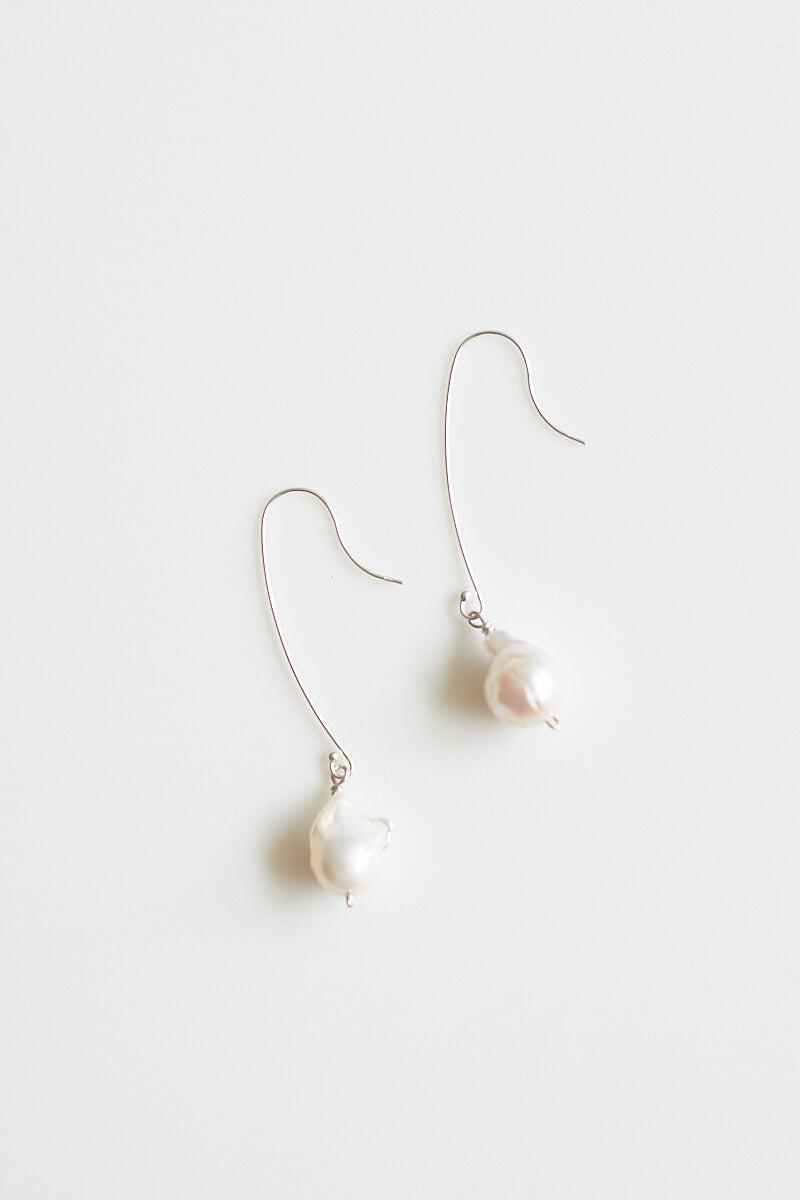 Daria Pearl Earrings