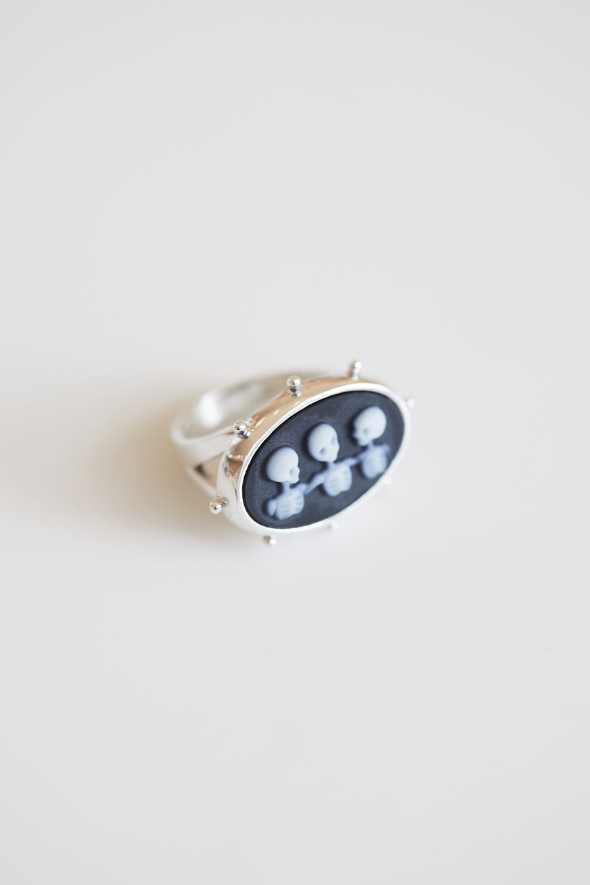 Community Cameo Skeleton Ring in Agate and Silver
