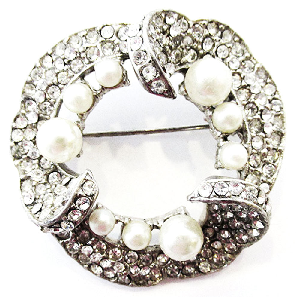 Vintage 1950s Distinctive Mid Century Rhinestone and Pearl Circle Pin