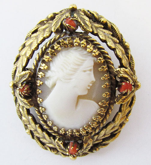 Vintage 1940s Awesome Victorian Style Oval Cameo Pin