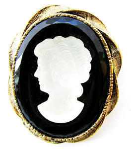 1950s Vintage Jewelry Eye-Catching Black and White Glass Cameo Pin - Front