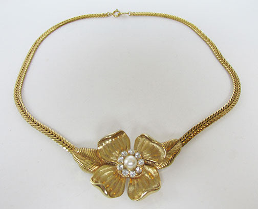 Trifari Vintage 1960s Distinctive Retro Dogwood Floral Necklace