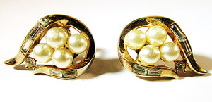 Desirable Crown Trifari Vintage 1950s Mid-Century Pearl Button Earrings