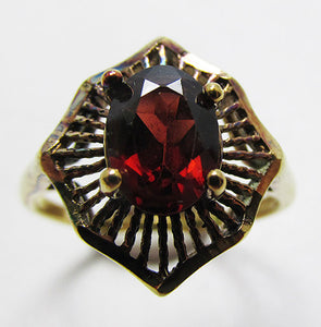 Beautiful Vintage Retro Sterling Contemporary Style Gemstone Ring