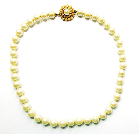 Vintage 1950s Beautiful Mid-Century Single Strand Ivory Pearl Necklace