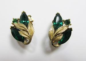 Lisner Vintage 1950s Mid Century Beautiful Emerald Floral Earrings