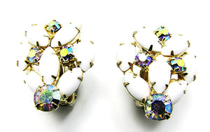 Flawless Vintage 1950s Mid-Century Floral Button Style Earrings
