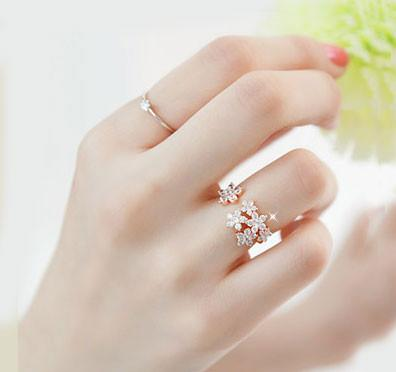 Unique Bright Rhinestone Flowers Ring For Big Sale!- Fowish.com