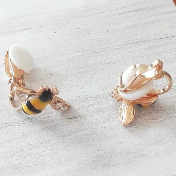 Cute Bee Diamond-bordered Wings Gold Plated Women Cartoon Animal Ear Clip For Big Sale!- Fowish.com