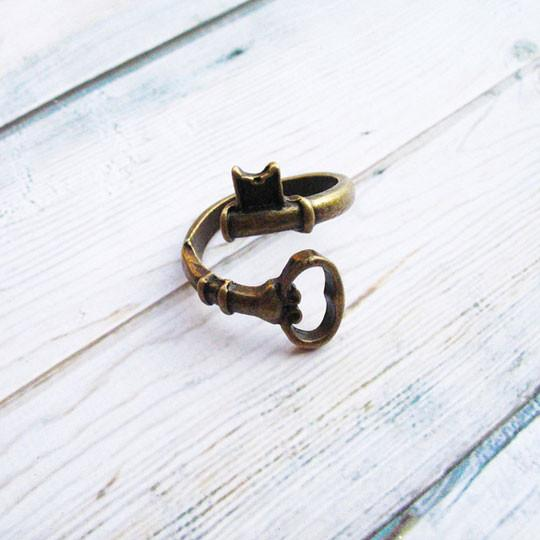 Retro Bending Keys Handmade Ring - lilyby