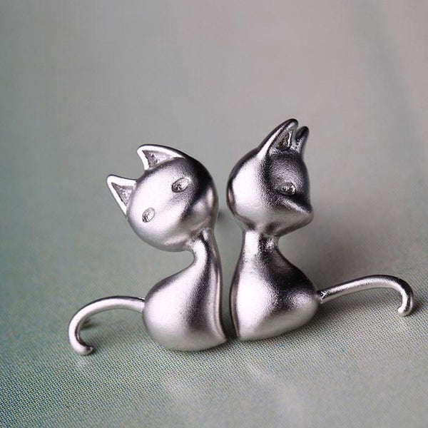Lovely Cat Anti-allergy Studs Silver Asymmetry Earring - lilyby