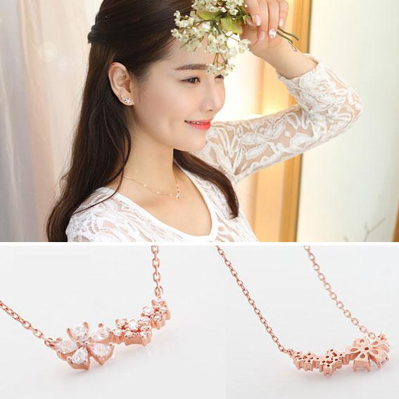 Fashion Women's Accessories Lucky Flower Necklace Clavicle Chain Sweet Necklace For Big Sale!- Fowish.com