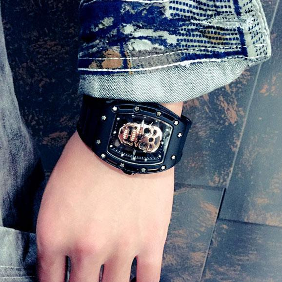 Punk Skull Diamond-embedded Square Dial Rubber Strap Quartz Watch For Big Sale!- Fowish.com