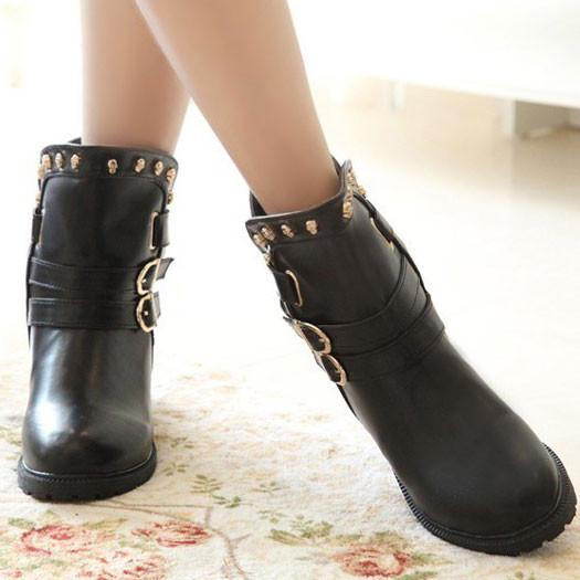 Cool Skull Rivet Buckle Low-heeled Boots - lilyby