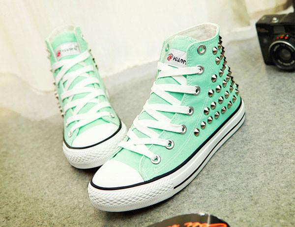 Personality Punk Rivet High-top Canvas Shoes - lilyby