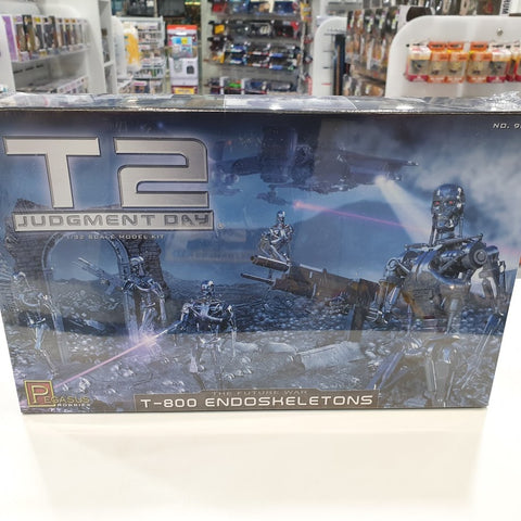 1:32 Terminator 2 Judgement Day 1-800 Model Kit