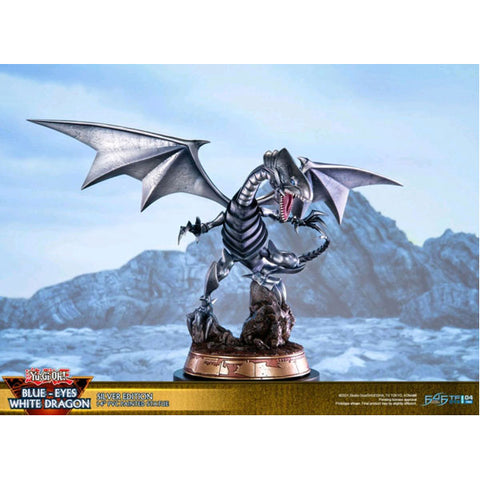 Yu-Gi-Oh! - Blue Eyes White Dragon (Silver)