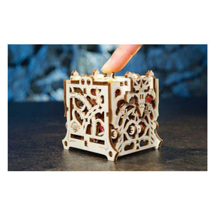 UGears Dice Keeper