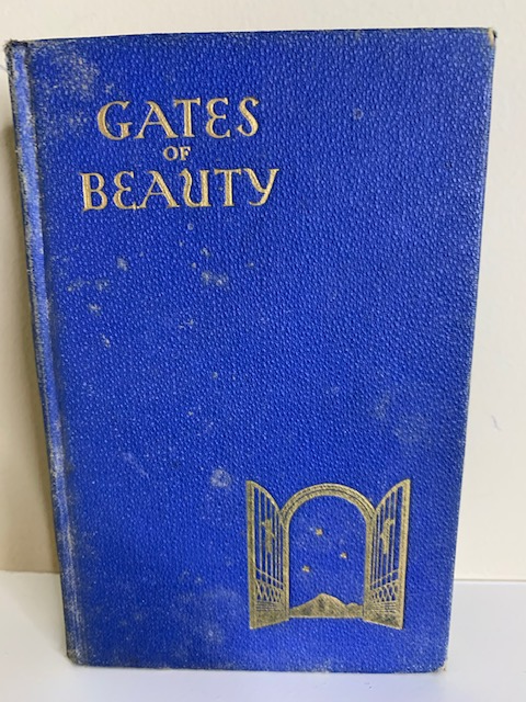 Gates of Beauty: A Book of Daily Devotions for Youth