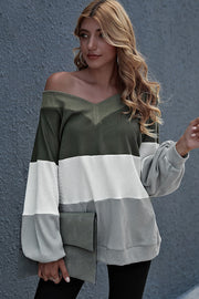Stitching Loose Collar Flared Sleeve Top