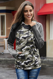 Contrast Sleeve Camouflage Hoodie - Pavacat