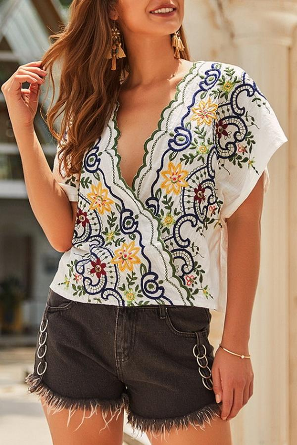 Ethnic Embroidery Short-sleeved Blouse - Pavacat