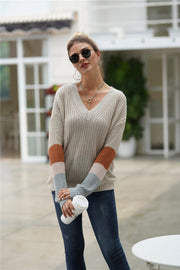 Simple Round Neck Loose Sweater - Pavacat