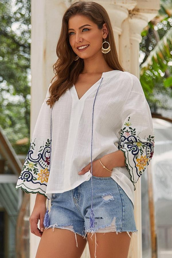 V Neck Embroidery Loose T-shirt - Pavacat