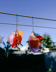 homejob found material petal earrings, jewelry