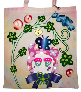 Ema Gaspar, Ema G B, hand painted tote, one of a kind, independent artist, independent designer, resin keychain, heart keychain, kathleen, kathleen los angeles, shop kathleen, independent boutique, indie boutique, tote bag, cotton tote, cartoon tote, pierced keychain, tie dye tote, hand dyed