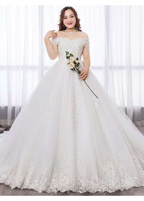 Modest / Simple White Ball Gown Plus Size Wedding Dress