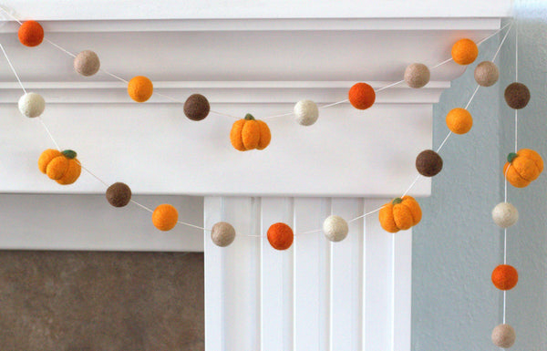 Felt Pumpkin Garland- Orange & Brown- LIGHT Orange & Pumpkins- Fall Autumn Halloween Thanksgiving