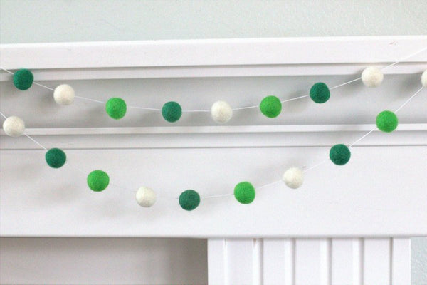 St Patrick's Garland- Green White Felt Ball Garland - Pom Pom - Holiday- Party Decor