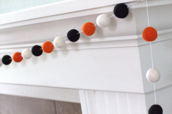 Halloween Felt Ball Garland- Black, Bright Orange & White- Pom Pom- Nursery- Holiday- Wedding- Party
