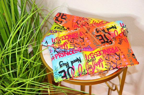 GRAFFITI CLUTCH/ SLINGBAG