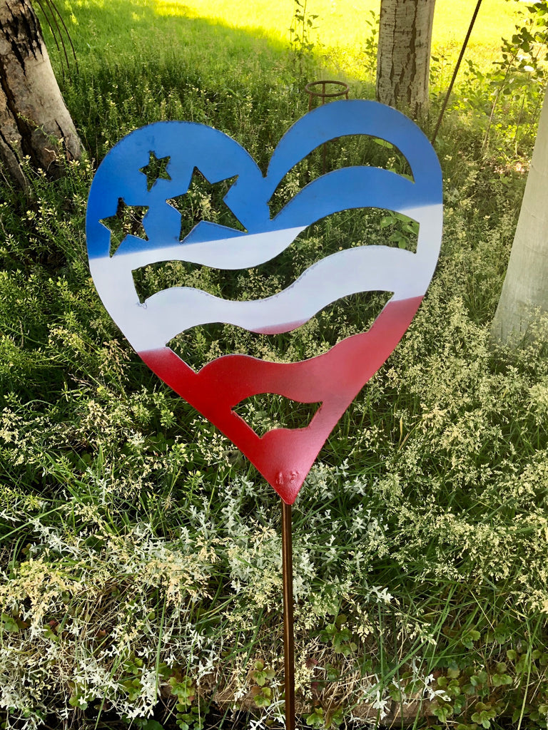 Patriotic Heart Garden Post