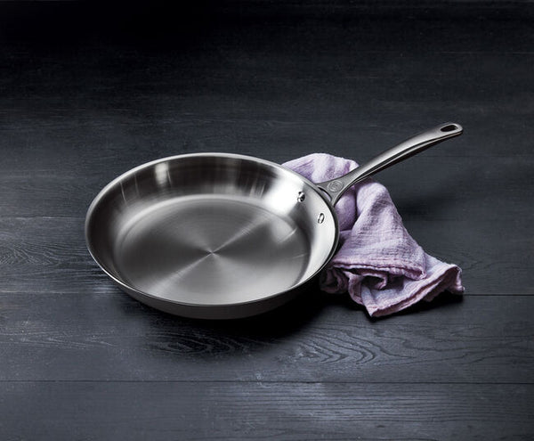 Le Creuset 3-Ply Stainless Steel Fry Pan 8 In. - Kitchen Universe