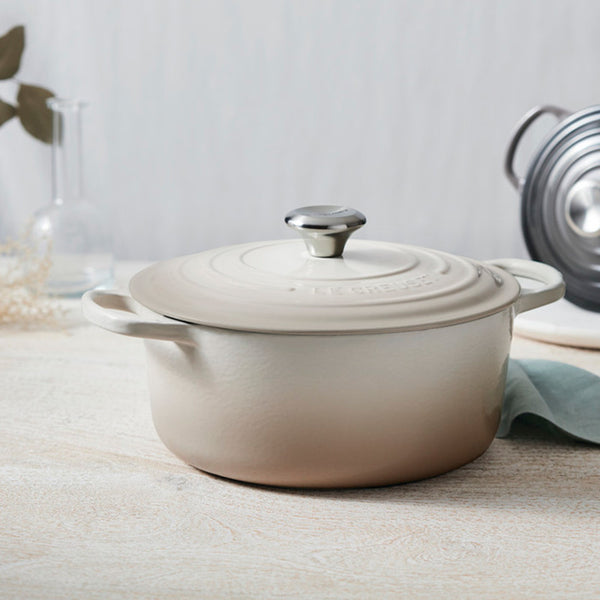Le Creuset Signature Enameled Cast Iron Round French / Dutch Oven, 5.5 qt, Meringue - Kitchen Universe