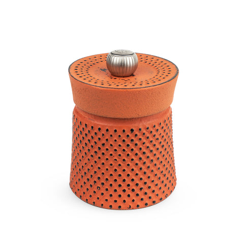 Peugeot Bali Fonte Cast Iron Pepper Mill with Tan Hoi Peppercorns - Kitchen Universe