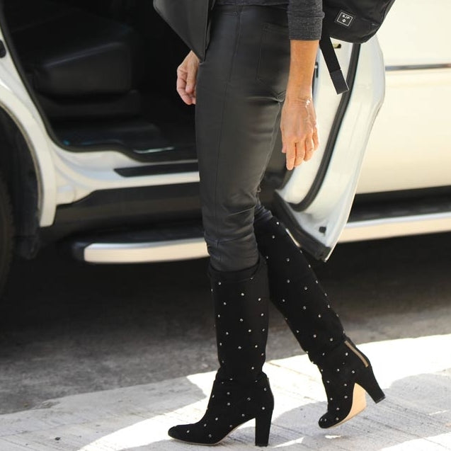 Sarah Jessica Parker Matched an Unexpected Fall Boot With Hollywood's Most Popular Face Mask