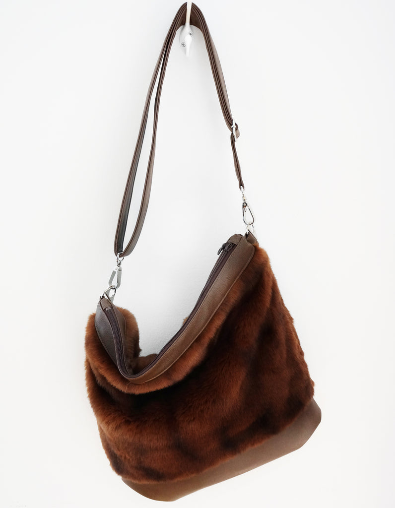 Sofia - vegan fur & leather, reddish bown coloured - boho style slouch bag