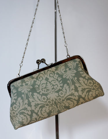 Emilia clutch (damask print, light grey)